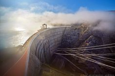 Cамая высокая плотина в России — Чиркейская ГЭС http://wander-world.ru/2017/01/12/camaya-vysokaya-plotina-v-rossii-chirkeys/