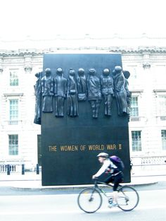 Memorial, Joel Bond Travels, London Discovery