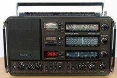 Grundig Satellit 3400 Professional Radios, Home Theater Speaker System, Audio System, Radio Amateur, Antique Phone, Electronic Schematics, Kids Electronics, Receptor, Transistor Radio
