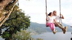 Un poquito más cerca del cielo... ✨ Francisco y Sandra desde Bali nos envían esta delicada foto llena de ternura...❤️ Su siguiente destino: Gili  ¡A disfrutar! #Bali #Lunademiel #viajedenovios #relax #playaparadisiaca #pareja #amor Porch Swing, Outdoor Furniture, Outdoor Decor, Bali, Relax, Love, Honeymoons, Couple, Destiny