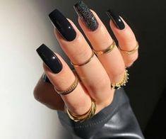 Classy Acrylic Nails, Edgy Nails, Acrylic Nails Coffin Short, Best Acrylic Nails, Stylish Nails, Trendy Nails, Swag Nails, Black Nails, Nail Design Glitter
