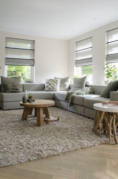 #woonkamer #binnenkijker #interieur #inspiratie #visgraat #pvc #pvcvloer #vloeren HOME MADE BY_STIJL BINNENKIJKER | INTERIEURSTYLIST| WOONKAMER | INSPIRATIE | SFEERVOL | INTERIEUR TRENDS | TIJDLOOS | PLANTEN | GROEN | MUUR | VISGRAAT PVC VLOER | GORDIJNEN |
