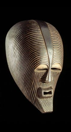 Africa | Mask from the Songye people of DR Congo, Kasaï, Kasaï-oriental | Wood and pigment | ca. 1917 or earlier