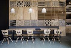 "Ein Tag im Lande von niemandem – ""MOONY cafe"" von Corvin Cristian (via: … - DIY Deco Design Café, Store Design, Commercial Design, Commercial Interiors, Partition Design, Creation Deco, Restaurant Interior Design, Coffee Design, Cafe Restaurant"
