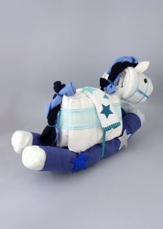 BABY SHOWER~ Rocking horse/pequeño pony diaper cake.