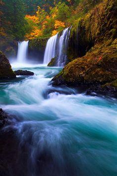BANCO DE IMÁGENES: 33 fotografías de cascadas con hermosos paisajes naturales