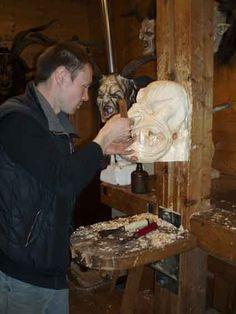 Craftsman  making Krampus mask  Maskenschnitzer Roland Bürgler. Handgefertigte Krampusmasken.