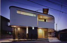 Tadashi Saito + atelier NAVE's House of Tadotsu in Kagawa