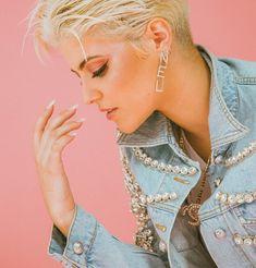 Billie Eilish, Girl Crushes, Instagram Posts, People, Gay, Girls, Fashion, Musica, Celebrity Photos