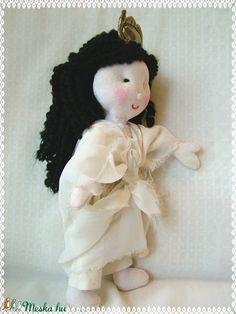 Isis - egyiptomi istennő (Blackata) - Meska.hu Girls Dresses, Flower Girl Dresses, Techno, Teddy Bear, Wedding Dresses, Flowers, Animals, Dresses Of Girls, Bride Dresses