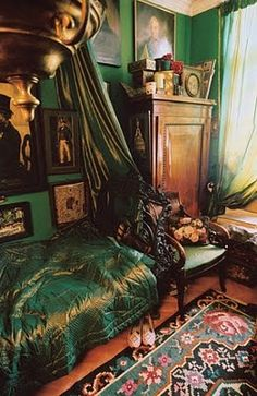 the rich green on the walls, the ubiquitous satin blanket, the abundance. this room feels like a hug. Bohemian Bedroom Design, Bohemian Interior, Bohemian Decor, Bohemian Room, Bedroom Designs, Bohemian Style, Boho Chic, Decoration Inspiration, Room Inspiration