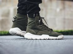 Nike Sfb Boots, Nike Shoes, Sneakers Nike, Men's Shoes, Desert Boots, Military Boots Outfit, Tactical Clothing, Sneaker Boots, Silhouette