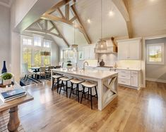Oh it's always a pleasure doing business with you.especially when it ends up looking like this gorgeous house 😍No wonder… Vaulted Ceiling Kitchen, Ceiling Beams, Ceilings, Farmhouse Kitchen Inspiration, Kitchen Ideas, Decoration, Cool Kitchens, Kitchen Remodel, Kitchen Design