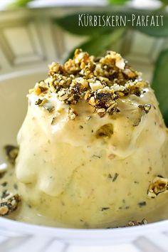 Kürbiskern-Parfait – Madame Cuisine - Sites new Ranch Pumpkin Seed Recipes, Pumpkin Recipes, Frozen Desserts, Easy Desserts, Dessert Recipes, Recipes Dinner, Dessert Simple, Roast Pumpkin, Baked Pumpkin