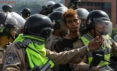 Denuncian abusos policiales a menores arrestados en las protestas en Venezuela
