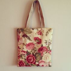 Floral tote. Like it. from cose-cose