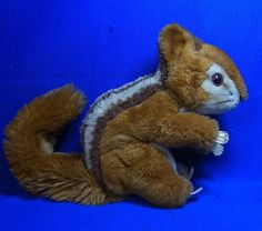 Original Modern Stuffed Animal Steiff Toy Squirrel with Button #^E2