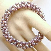 Pearl Bangle Pattern at Sova-Enterprises.com. Lots of free beading patterns and tutorials are available on this site!