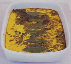 Bobotie Try this traditional South African mince bake which is lightly curried and topped with a creamy savoury custard. Minced Meat Dishes, Mince Dishes, Savoury Dishes, South African Dishes, South African Recipes, Ethnic Recipes, Mince Recipes, Pork Recipes, Cooking Recipes
