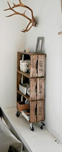 Estantería con cajas de vino