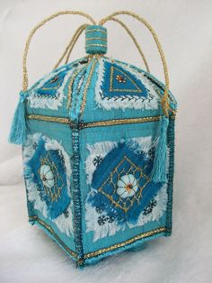 Five sided box with free motion embroidery