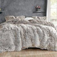 Oversized King Comforter, Fur Comforter, Bedroom Comforter Sets, Duvet, King Comforter Sets, Fluffy Bedding, Pillow Shams, Room Ideas Bedroom, Bedroom Decor