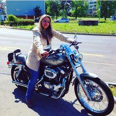 "18 mentions J'aime, 1 commentaires - 🎀Blogueira🎀 (@lena__gomes) sur Instagram: ""Já tenho saudades de quando eu andava de mota! #mota #instalike #instafoto #instagram #daytime #day…"" 1, Motorcycle, Vehicles, Instagram, Motorbikes, Biking, Motorcycles, Vehicle, Engine"