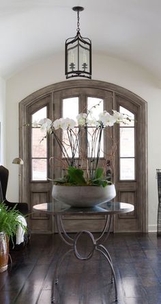 Beautiful Entry Table Decor Ideas to give some inspiration on updating your house or adding fresh and new furniture and decoration. Door Entryway, Entrance Foyer, Entry Foyer, Entry Doors, Entryway Decor, Grand Entryway, Rustic Entryway, Entrance Design, Halls