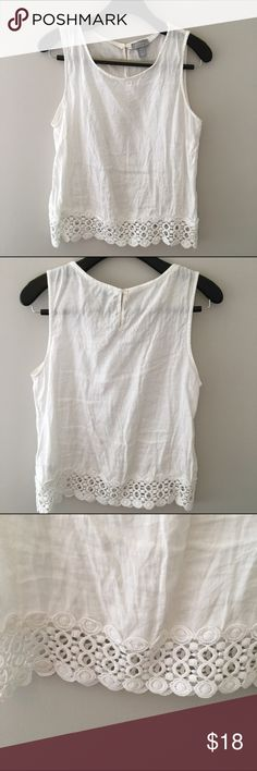 White linen top with lace detail Beautiful white linen sleeveless top lined with lace at the bottom. This top is 100% linen. Kenar Tops Blouses