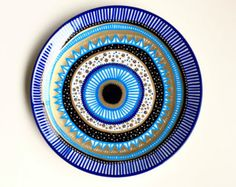 Evil Eye Decor - Decorative Plate - Golden Evil Eye - Golden and Blue - Evil Eye Wall Art - Modern Art - Wall Hanging - Art Evil Eye by biancafreitas on Etsy Pottery Painting, Ceramic Painting, Ceramic Art, Ceramic Plates, Greek Evil Eye Tattoo, Evil Eye Art, Eye Symbol, Evil Eye Bracelet, Cool Eyes