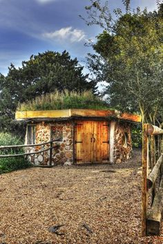 Cobwood roundhouses | Earthmoves Design