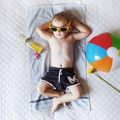 """Polubienia: 90, komentarze: 14 – Patchwork Family (@patchwork.family) na Instagramie: """". Gdy nie ma kasy ani czasu na prawdziwe wakacje A fotki muszą się zgadzać. . . O nie! Nie…"""""""