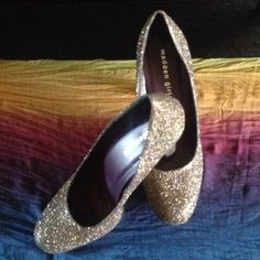 Sparkling elegant shoes Super cute and comfortable heels.  Shoes