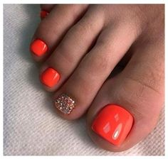 33 toe nail art designs to keep up with trends 00080 Gel Toe Nails, Feet Nails, Toe Nail Art, Gel Toes, Toe Nail Polish, Glitter Toe Nails, Silver Nail Polish, Pretty Toe Nails, Cute Toe Nails