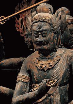 特別展「国宝 東寺-空海と仏像曼荼羅」|みどころ|第四章(2) 15本の立体曼荼羅 Buddhism, Temples, Sculpture Art, Statues, Japan, Effigy, Japanese