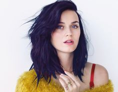 I'M OBSESSED WITH KATY PERRY'S NEW BEAUTY LOOK AND YOU SHOULD BE TOO! All The Products To Snag Her Edgy Pretty Look. Katy loves her foundation, big lashes, thick brows, and bold lips, but it's nice to see her rocking a clean face with just a bit of color. It's WORKING.