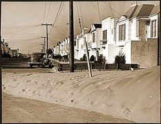 Sandunes at 32nd and Quintara 1942