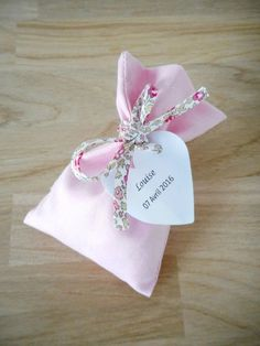 Ballotin Wedding and Baptism, Light Pink Fabric and Liberty Eloise Pink Cord, Personalized Paper Label, Girls Communion Wedding Candy, Wedding Favours, Diy Wedding, Light Wedding, Princess Invitation, Green Girls Rooms, Liberty, Baptism Favors, Baby Couture