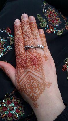 Moroccan henna for Eid