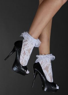 Rock n Roll White Lace Ankle Socks Sexy High Heels, Beautiful High Heels, Socks And Heels, Ankle Socks, Shoes Heels Boots, Frilly Socks, Lace Socks, Sock Shoes, Cute Shoes