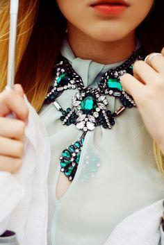 stunning emerald jewels y&i clothing boutique | shopyandi.com