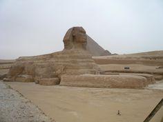 AUTORE: Ignoto NOME: Sfinge; DATAZIONE: III millennio a.C.,Antico Regno; MATERIALE: Pietra calcarea ; LUOGO DI CONSERVAZIONE: Necropoli di Giza.