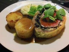 Beef Wellington med selleripuré og sauce bordelaise