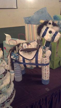 Rocking Horse - Cutest horse diaper cake ever! Horse Baby Showers, Cowboy Baby Shower, Baby Boy Shower, Baby Shower Gifts, Baby Shower Diapers, Baby Shower Cakes, Baby Shower Themes, Shower Ideas, Diaper Cake Boy