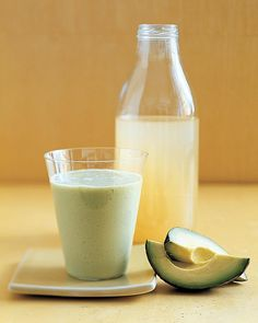 Avocado-Pear Smoothie 1 ripe Hass avocado (about 7 ounces) cup silken tofu drained 1 cup pear juice 2 tablespoons honey teaspoon pure vanilla extract 2 cups ice I would sub yogurt for the tofu and a whole pear for the pear juice. Tofu Smoothie, Avocado Smoothie, Pear Smoothie, Juice Smoothie, Smoothie Drinks, Healthy Smoothies, Healthy Drinks, Healthy Snacks, Juice 2
