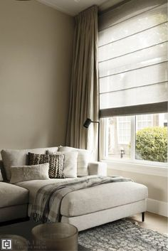 Curtains Over Blinds, Home Curtains, Home Decor Bedroom, Living Room Decor, Living Room Inspiration, Interior Inspiration, Window Treatments Living Room, Living Furniture, Home Interior Design