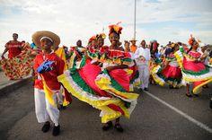 Diviértase en las fiestas de la Independencia de Cartagena, disfrute música, desfiles y tradiciones. Y conozca a las candidatas a Miss Colombia.