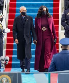 The Obamas at the #InaugurationDay46 of President Biden 2021. Michelle Obama wore plum from head to toe with a Deadpool themed belt that everyone is talking about. Her outfit was designed by Sergio Hudson, a Black American designer who is a favorite of the former FLOTUS. #Inauguration46 | Who What Wear Haute Couture Outfits, Haute Couture Looks, Michelle Obama Fashion, Barack And Michelle, Stuart Weitzman, Ralph Lauren Suits, Black Leather Pencil Skirt, Purple Outfits, Wide Leg Trousers