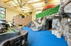 Top Places to Play Indoors in Edmonton for Little Kids + Area - A Plane, A Treehouse + More #yeg