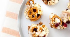 These Popcorn Balls Might Be The Most Delicious Diet-Friendly Snack Ever Created Healthy Treats, Healthy Eating, Popcorn Balls, Doughnut, Diet, Snacks, Create, Breakfast, Desserts